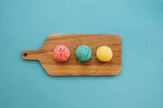 Ice cream concept with three balls Free Photo