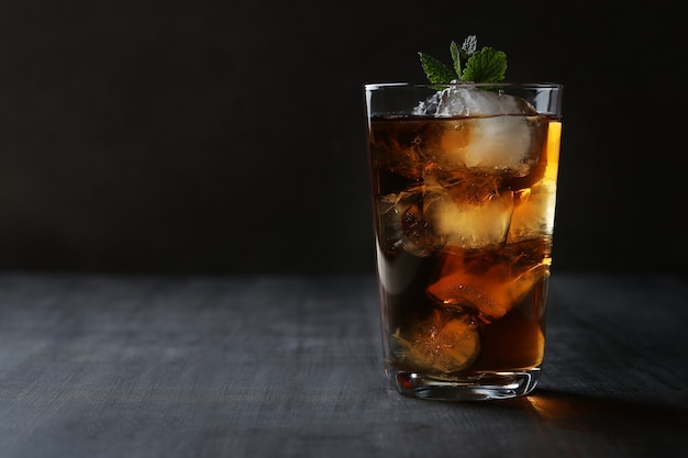 Ice tea with mint Free Photo