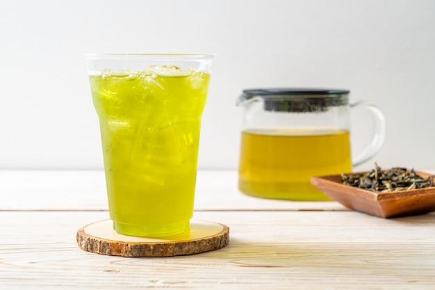 Iced japanese green tea Premium Photo