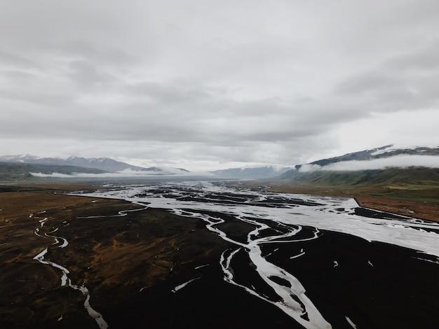 Исландская река Premium Фотографии