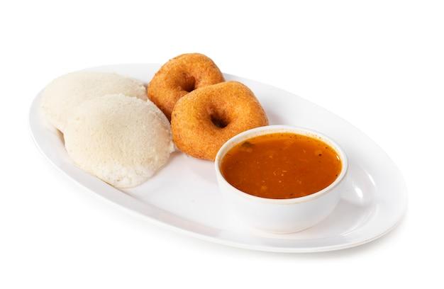 Idli, sambar, vada and coconut chutney, south indian breakfast Premium Photo