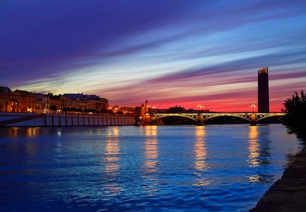 プエンテイザベルii橋トリアナセビリアスペイン Premium写真