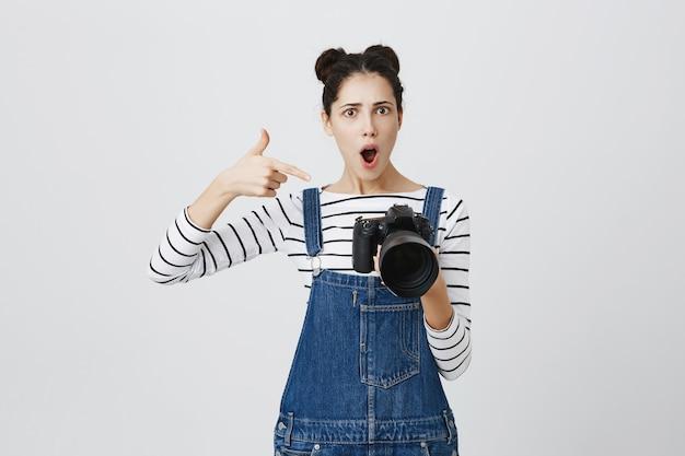 девушка модель с камерой работа