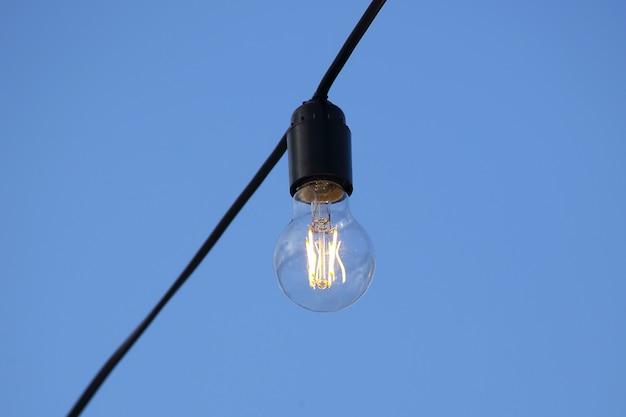 В комплекте подвесной электрический светильник Premium Фотографии