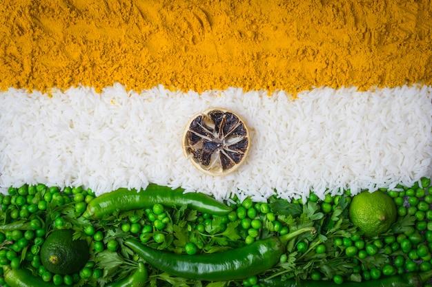 インド独立記念日8月15日コンセプト:インドの国旗 Premium写真