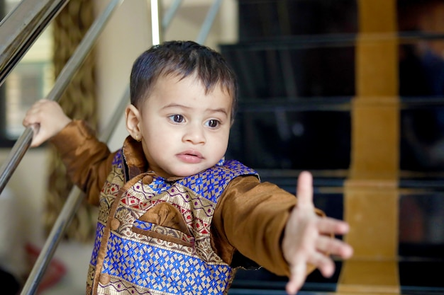 Indian child on traditional wear Premium Photo