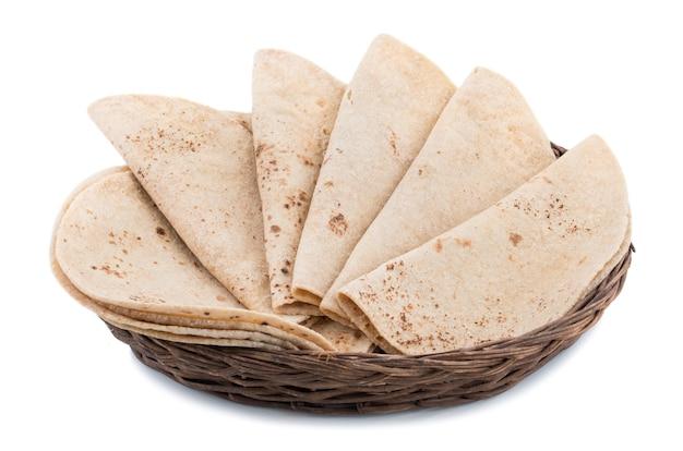 インド料理チャパティ、白背景 Premium写真