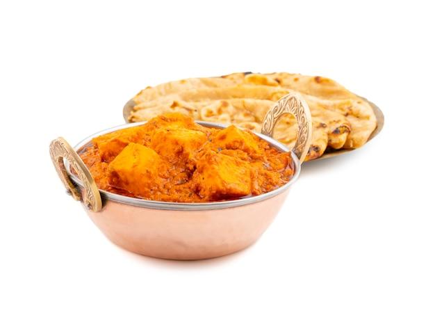Indian delicious spicy cuisine paneer toofani served with tandoori roti Premium Photo