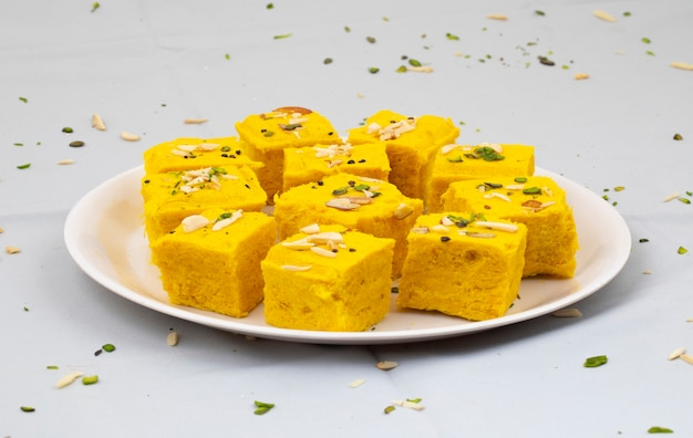 Indian special traditional sweet food soan papdi Premium Photo