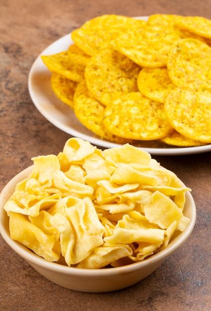 Indian street snack food masala khari papdi with besan papdi Premium Photo