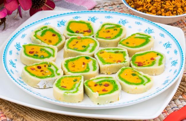 Indian sweet food mawa peda Premium Photo