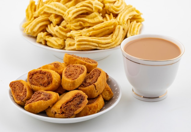 Indian traditional spicy snack ghatiya with bhakarwadi Premium Photo