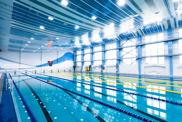 Indoor swimming pool modern  equipped Free Photo