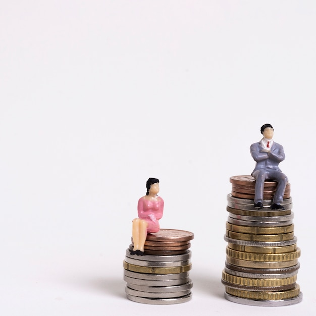 Inequality between man and woman in payment Free Photo