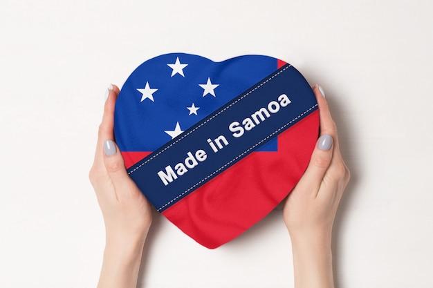Inscription made in samoa flag with heart shape box Premium Photo