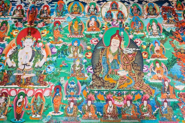 Inside buddhist temple Premium Photo