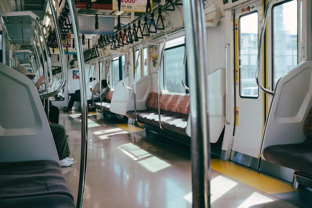 All'interno del treno della metropolitana Foto Gratuite