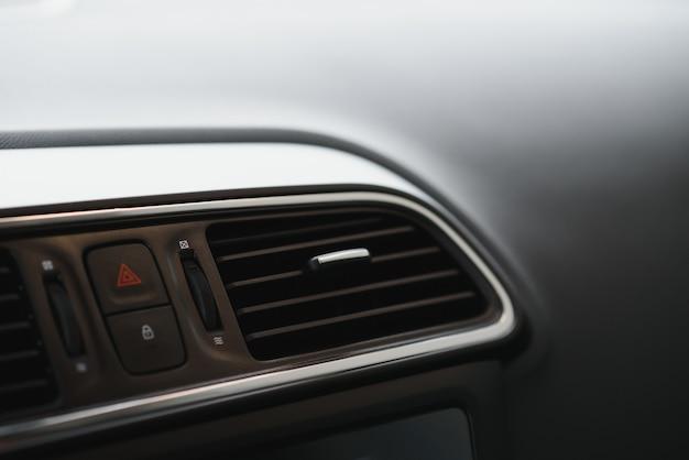 現代の車のインテリア要素、クローズアップ Premium写真