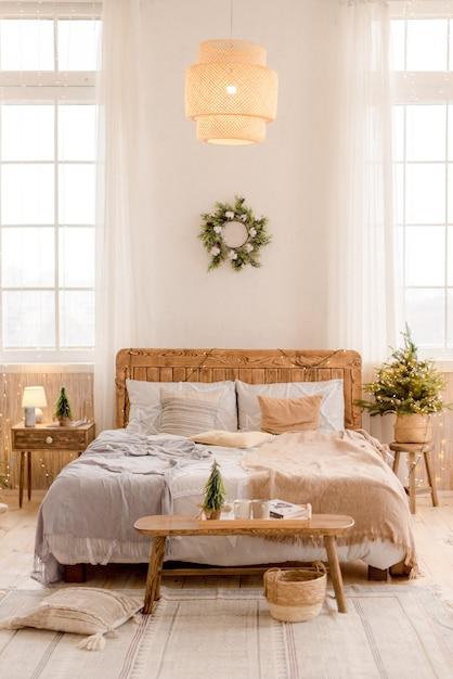 크리스마스 장식과 침실의 인테리어 프리미엄 사진