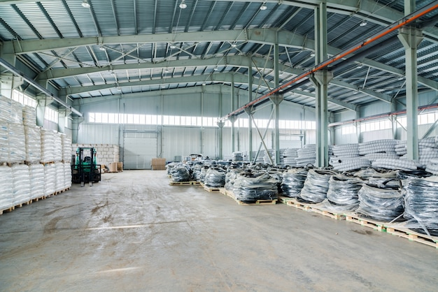 新しい倉庫のインテリア 無料写真