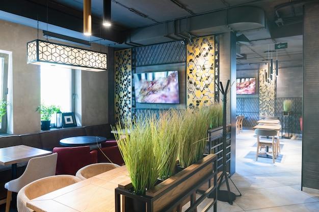 Interior shot of modern restaurant Premium Photo