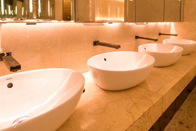 Interior view of luxurious bathroom in shopping mall hotel Premium Photo