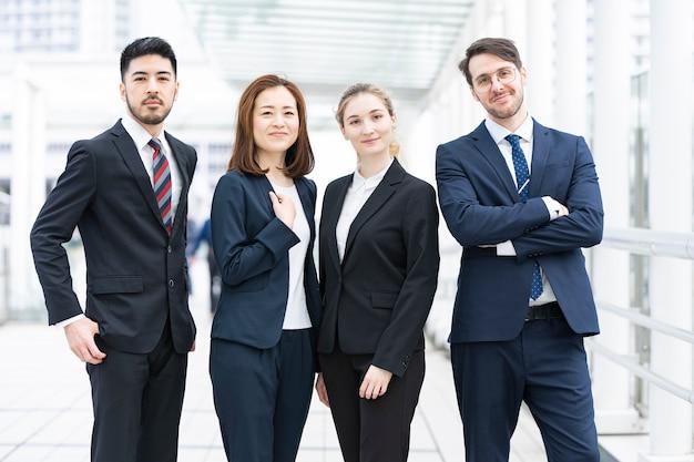 国際ビジネスチーム Premium写真