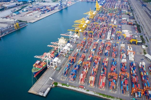 International cargo service station by large ship Premium Photo