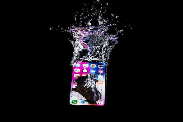 水中のiphone 無料写真