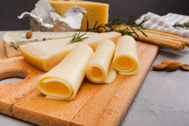 Isometric cheese composition Free Photo