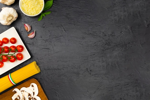 Italian pasta with mint and garlic Free Photo
