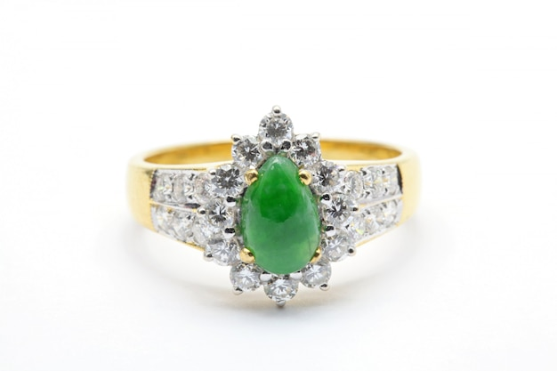 Jade diamond wedding ring Premium Photo
