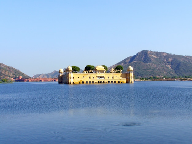 The jal mahal water palace located in sager lake. jaipur, rajasthan, india, asia Premium Photo