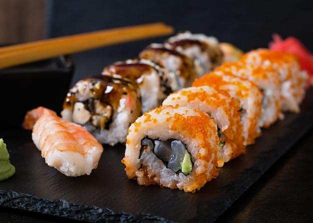Japanese food - sushi and sashimi Free Photo