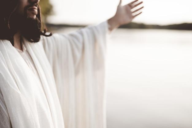 그의 손으로 예수 그리스도 무료 사진