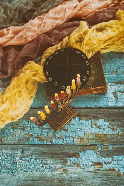 Еврейский праздник ханнука символы менора Premium Фотографии