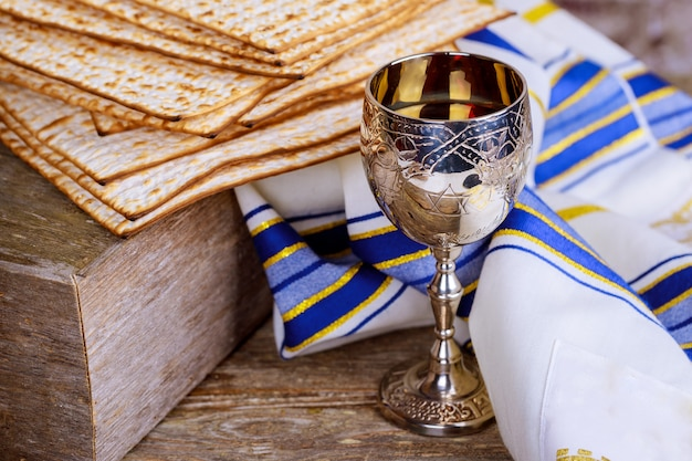 A jewish matzah bread with wine. passover holiday concept Premium Photo