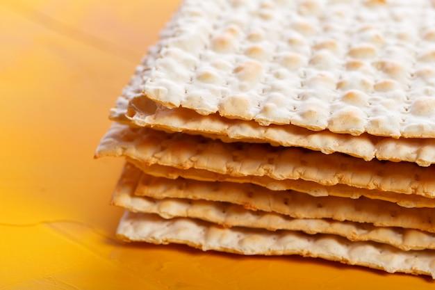 Jewish traditional passover matzo bread Premium Photo