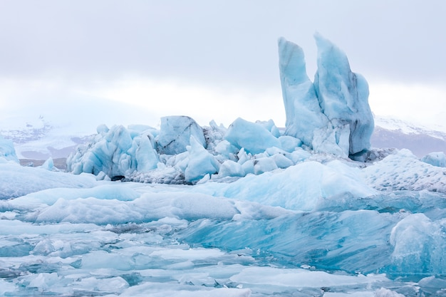 Jokulsarlon lagoon iceland Premium Photo