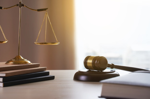 judge-gavel-with-justice-lawyers-lawyer-working-judge-concept_36325-1208.jpg (626×417)
