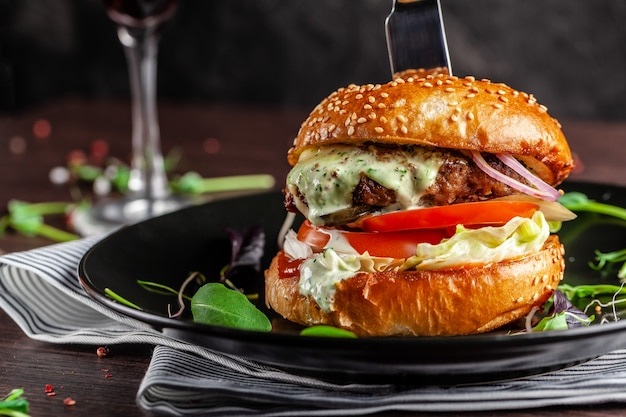 A juicy meat burger. Premium Photo