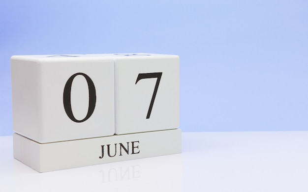 June 07st. day 7 of month, daily calendar on white table Premium Photo