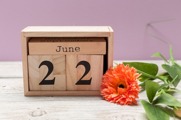 June 22nd, june 22 wooden on wood calendar Premium Photo