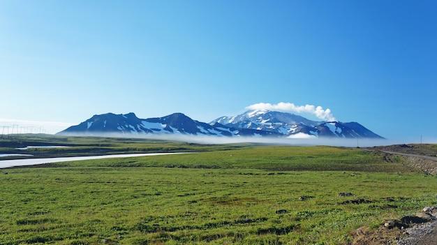 Kamchatka photo of mountains and snow Premium Photo