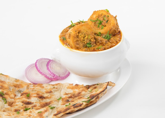 Kashmiri dum aloo Premium Photo