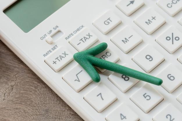 Keypad tax button for tax calculation. Premium Photo
