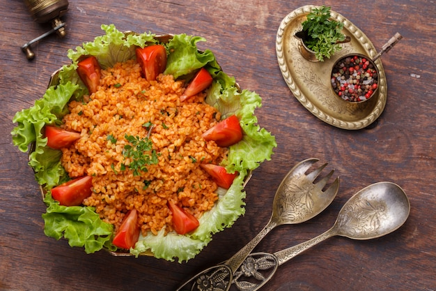 Kisir, traditional turkishr salad, bulgur Premium Photo