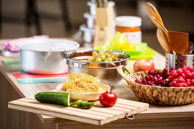 Kitchen arrangement with many utensils Premium Photo