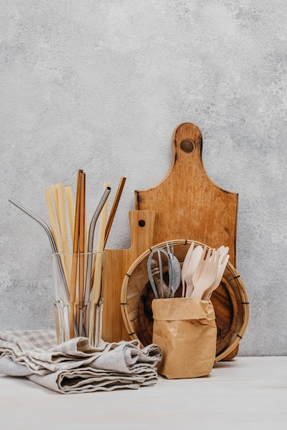 Kitchen cloth and wooden objects Free Photo