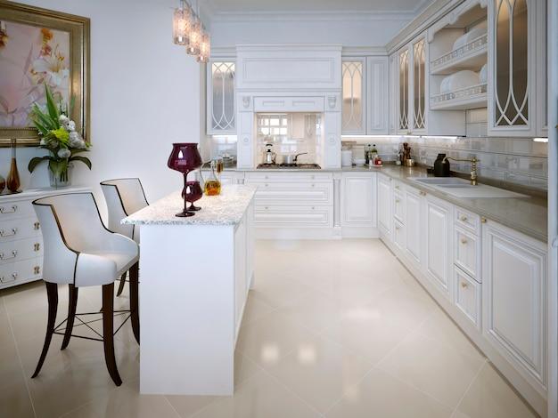 ダイニングテーブルのあるクラシックなスタイルのキッチン Premium写真